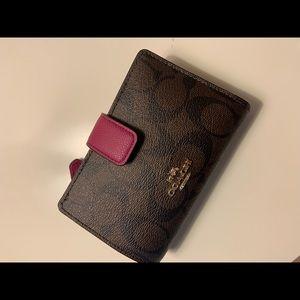 Coach F54023 wallet